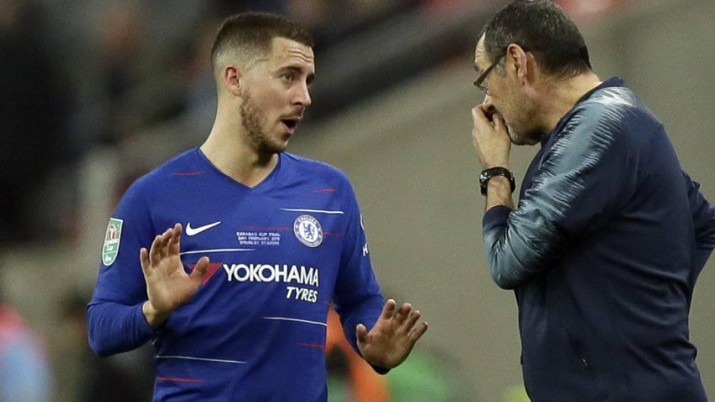 Nach diesem Spiel gibt es bei Chelsea Gesprächsbedarf: Trainer Maurizio Sarri mit Superstar Eden Hazard