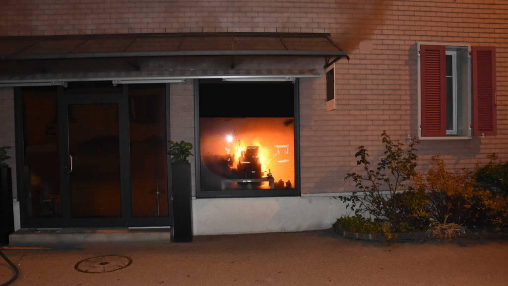 Weihnachtsgesteck verursacht Brand in Schaufenster