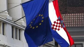 Die EU-Fahne wehte am Sonntag bereits vor dem Parlamentsgebäude in Zagreb