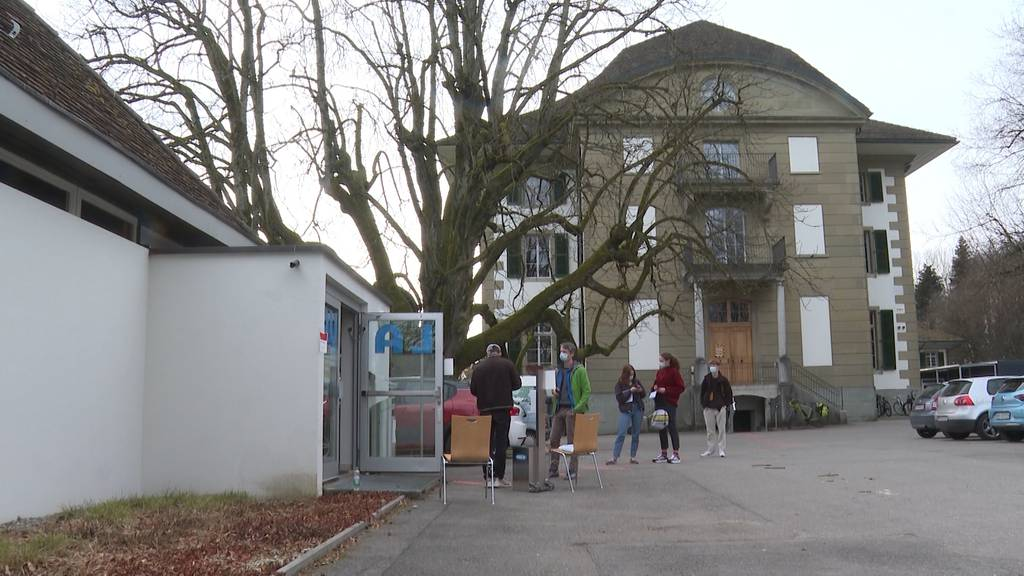 Zweiter Massentest-Pilotversuch am Gymnasium Hofwil in Münchenbuchsee