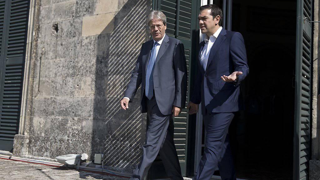 Gentiloni (l.) und Tsipras in Korfu: Die Nachbarländer am Mittelmeer haben ähnliche Sorgen und stimmen deshalb ihre Aussenpolitik ab.