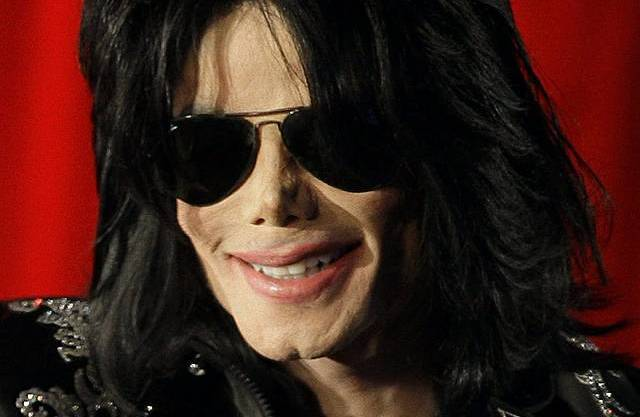 Der im Juni 2009 verstorbene Popstar verdiente in den vergangenen 12 Monaten 275 Millionen Dollar.