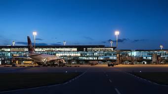 Nepal plant einen Flughafen mitten in einem Waldgebiet zu bauen – möglicherweise mit Beteiligung des Flughafens Zürich (im Bild).