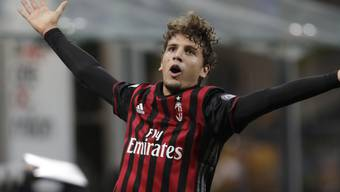 Teenager Manuel Locatelli bringt den Rekordmeister zu Fall