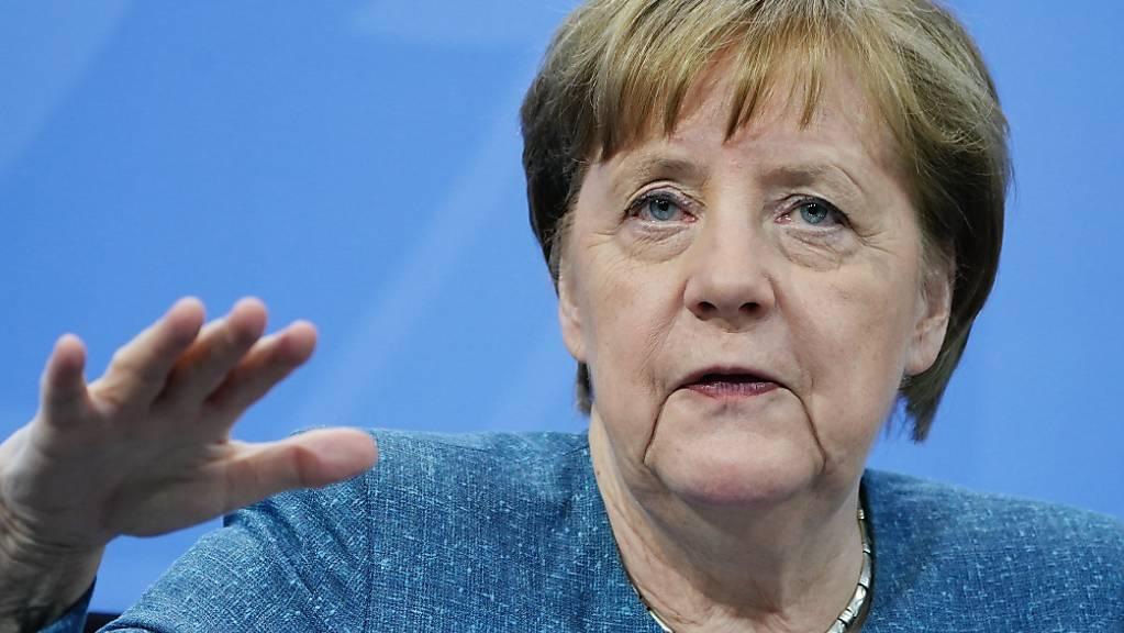 Bundeskanzlerin Angela Merkel (CDU) spricht bei der Pressekonferenz nach dem Impfgipfel im Kanzleramt. Die Bundesregierung hat mit den Länderchefs über die Impfsituation beraten. Foto: Michael Kappeler/dpa-pool/dpa