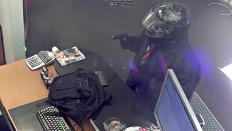 Szene vom zweiten Überfall, welcher die Überwachungskamera festhielt.