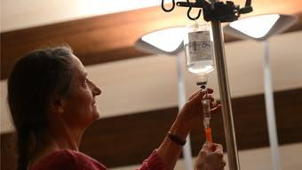 Die Ärztin Erika Preisig begleitet pro Jahr rund 80 Personen in den Freitod, wobei die grosse Mehrheit aus dem Ausland stammt. (Archiv)