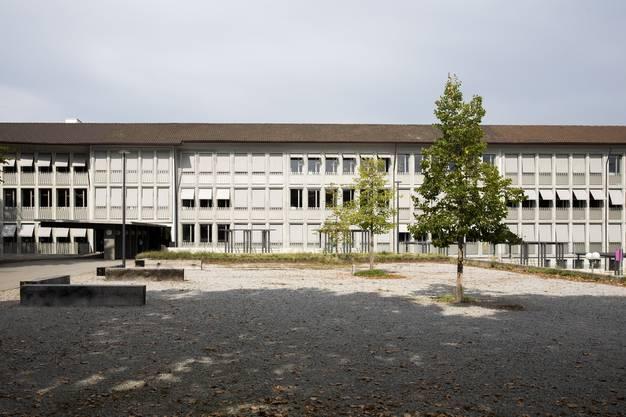 Trostloser Anblick: Das Schulareal in Neuenhof.