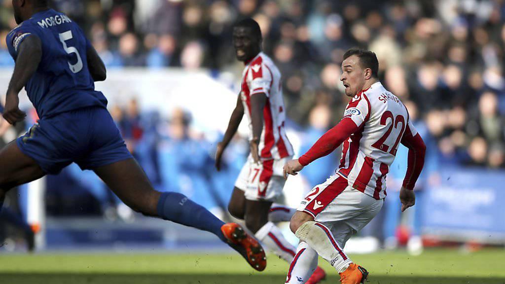Stokes Xherdan Shaqiri trifft mit diesem Weitschuss zum 1:0 gegen Leicester