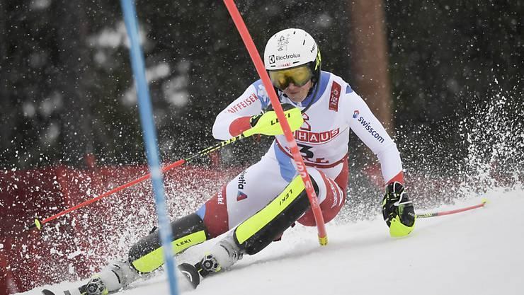 Wendy Holdener auf dem Weg zu ihrer Bestzeit im ersten Lauf des WM-Slaloms