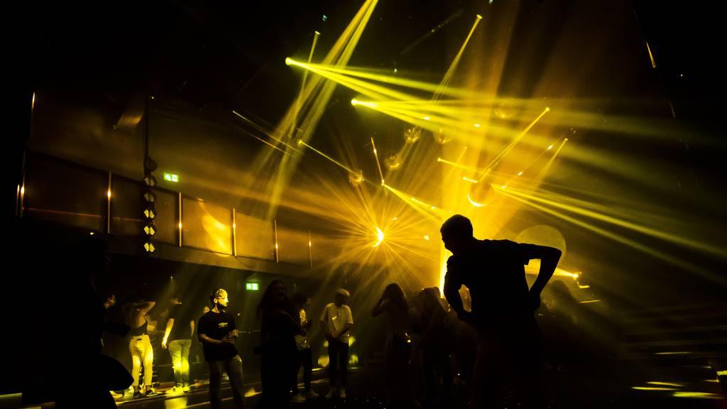 Partygäste pilgern nach Zürich: «Das Bedürfnis nach Feiern ist da»