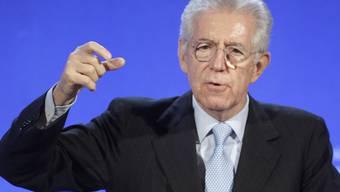 Italiens Regierungschef Mario Monti verstärkt sein Regierungsteam (Archiv)