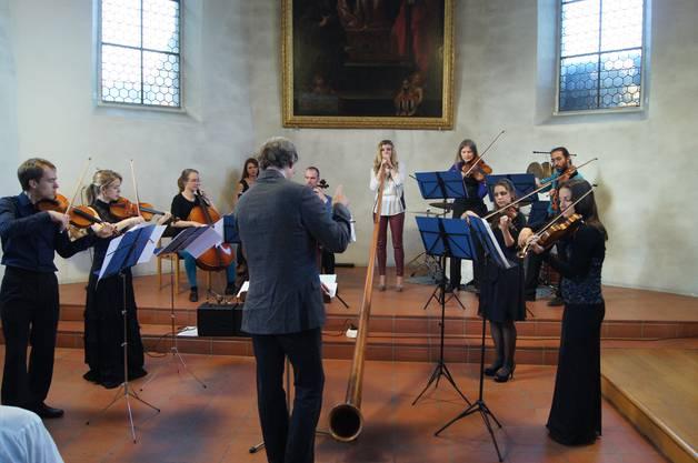 Das paul taylor orCHestra mit Alphorn-Solistin Eliana Burki