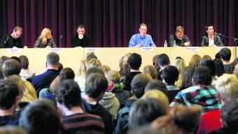 Podium: Reto Müller, Nadine Masshardt, Daniel Steiner, Moderator Adrian Wüthrich, Samuel Leuenberger und Patrick Freudiger (v.l.). (Bild: H. Bärtschi)