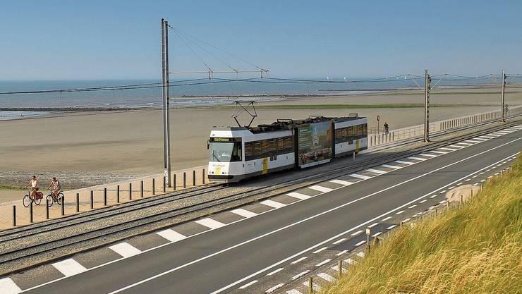 Das «Kusttram» zu den Orten entlang von Belgiens Küste hält an 68 Stationen. Bild: Axel Baumann