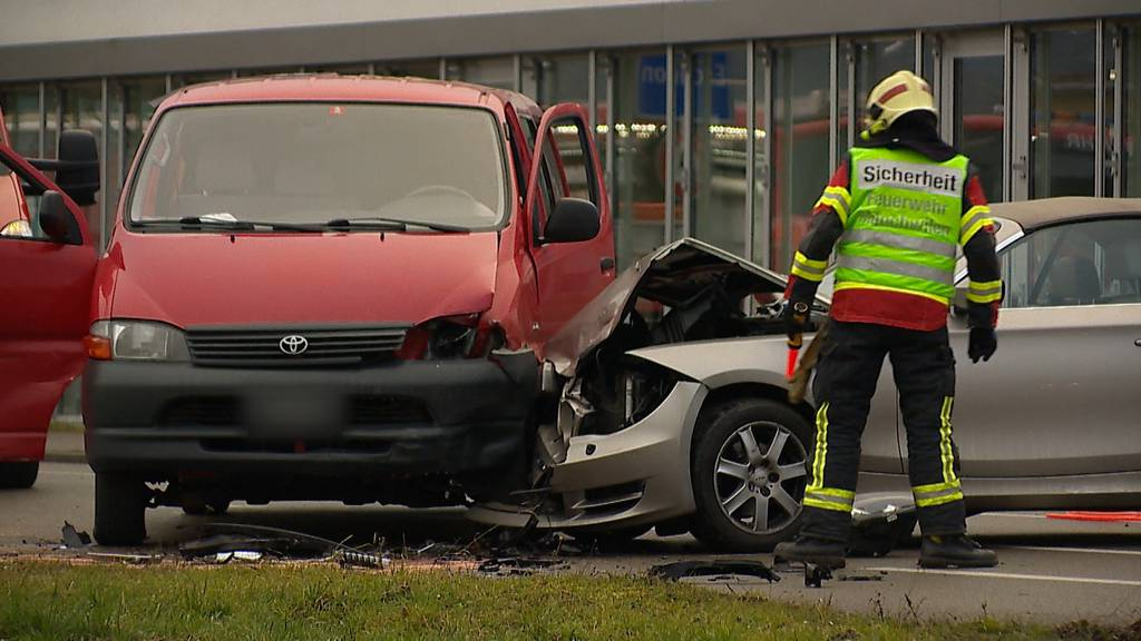 Eschlikon (TG): Frau nach Kollision mit Auto verletzt - Lenker Ausweis entzogen