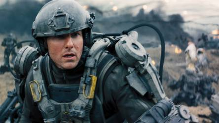 Bill Cage (Tom Cruise) © Warner Bros. Ent. All Rights Reserved.