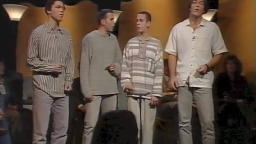 Soulsänger Seven singt als Teenager in der Sendung Samschtig-Jass das Lied «Seven» von Prince.