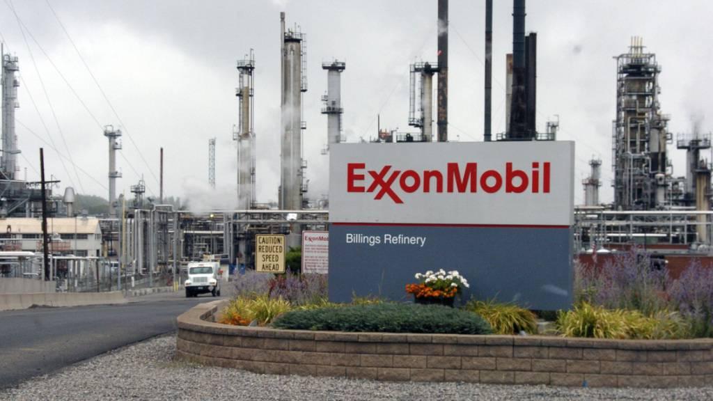In der Erdöl- und Erdgasindustrie werden derzeit - wie etwa bei Exxon Mobil - zahlreiche Stellen gestrichen. (Archivbild)