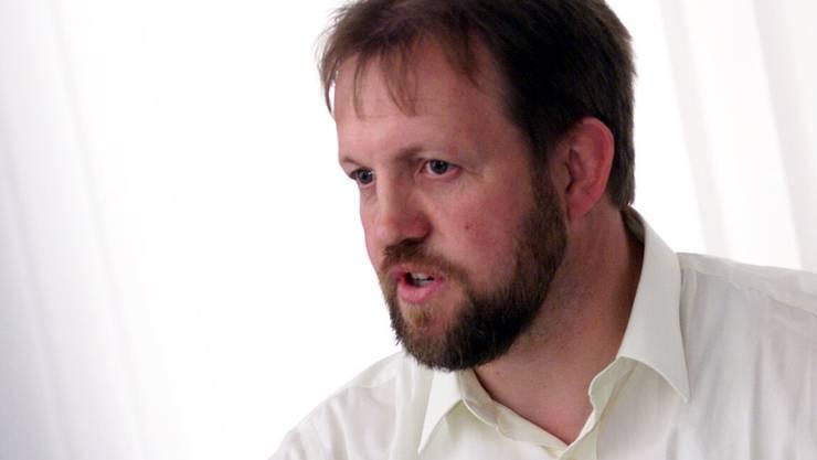 Begonnen hat der langjährige Nationalrat seine politische Karriere mit dem Amt des Gemeinderates von Oberkirch (1982 bis 2001).