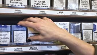 Die Ladendiebe haben Zigaretten im Wert von mehreren Hundert Franken entwendet. (Symbolbild)