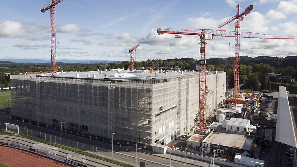 Die Patinoire St-Léonard ist im Moment eine grosse Baustelle.
