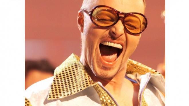 Stefan Raab 2000 bei der Vorausscheidung für den Eurovision Song Contest.  Foto: Keystone