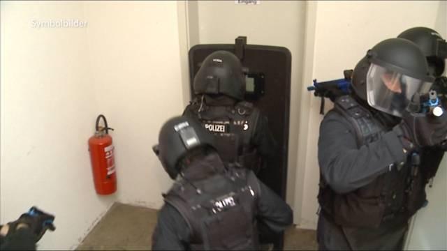 Razzia: Sondereinheit suchte Drogendealer in Wohler Bar