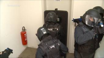 Es waren Szenen wie aus einem Actionfilm.  Wie Recherchen von Tele M1 zeigen, nahmen sie einen mutmasslichen Drogendealer fest.