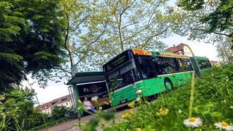 Im ÖV-Gesetz soll verbindlich festgeschrieben werden, dass bis in zehn Jahren ausschliesslich erneuerbare Energie Basler Trams und Busse antreibt.