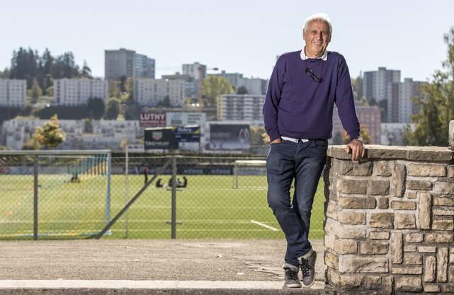 Kosovo-Nati-Trainer Bernard Challandes diskutierte schon des Öfteren mit Kololli.