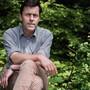 Er führt seine Durchschnittsfiguren gerne ins Zwielicht ihrer Existenz und Gefühle: der Schweizer Schriftsteller Peter Stamm.