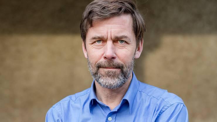 Mit Peter Stamm ist auf der Liste der Grünen ein bekannter Schweizer Schriftsteller zu finden. Allerdings ganz am Ende der Liste, sodass seine Wahlchancen nahe bei null sind.