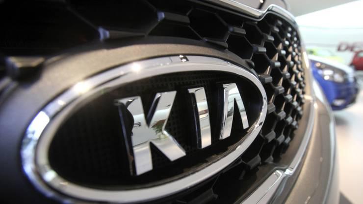 Der südkoreanische Autokonzern Kia Motors legt seine Produktion in drei Fabriken vorübergehend still. Die Coronakrise hat die Verkäufe in Europa und den USA gebremst. (Archivbild).