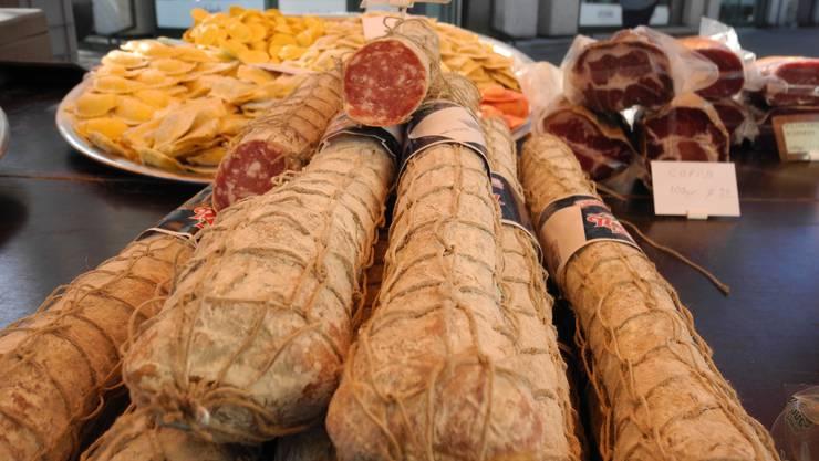 Verlockendes Fleisch wurde am Herbstmarkt angeboten