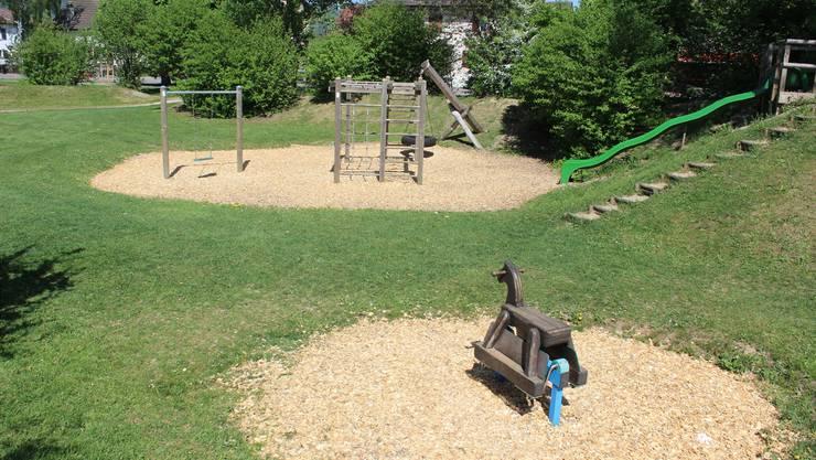 Ein wunderschöner Nachmittag – aber der Spielplatz Gysimatte ist leer. Das soll sich mit der Neugestaltung ändern.