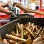 Die GSoA-Initiative nehme nicht nur grosse Rüstungskonzerne in Visier, sondern auch viele KMU. (Archivbild)