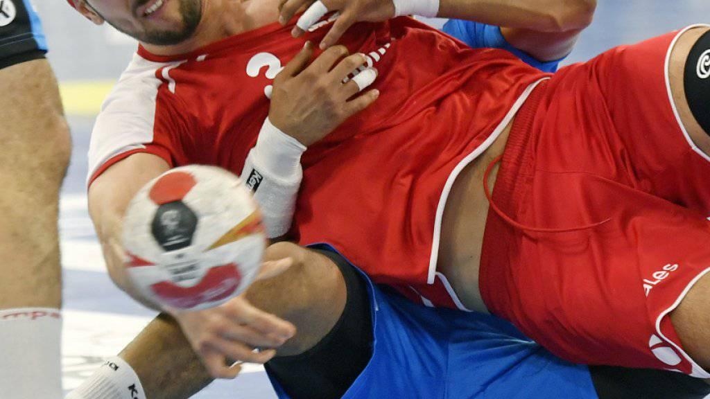 Aller Kampf der Schweizer, im Bild Kreisläufer Lucas Meister, nutzte nichts