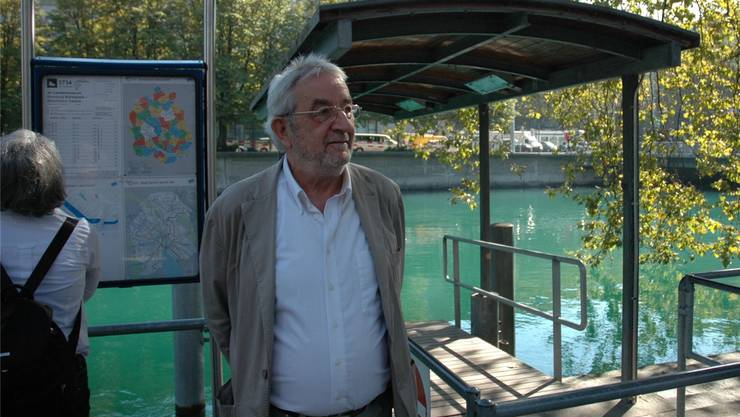 Im Kampf gegen Missstände: Leo Ullmann am Limmatschiffssteg, wo er 2008 mit Flugblättern auf Sicherheitsmängel der ZSG hinwies.