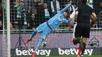 Der Schweizer Torhüter Gregor Kobel überzeugt in Augsburg mit soliden Leistungen