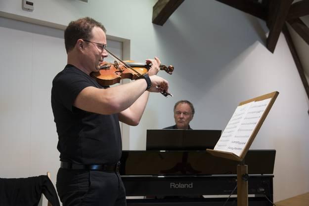 Eröffnung des umgebauten kulturhisorischen Museums Grenchen, Ruwen Kronenberg (Violine), Peter Schenker (Piano)