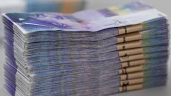Die Initiative fordert Geld für Arbeitslose statt weniger Steuern. (Archiv)