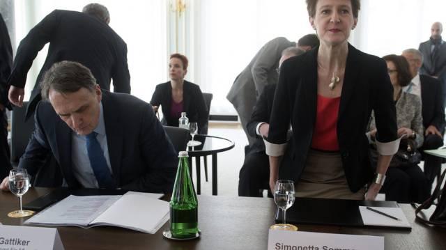 Bundesrätin Sommaruga und der Direktor des Bundesamts für Migration
