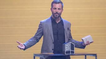 """""""Bligg-Fans sind big fans"""": Der Zürcher Mundart-Sänger Bligg räumte an den 12. Swiss Music Awards Pflastersteine als Best Male Act und für das beste Album ab."""