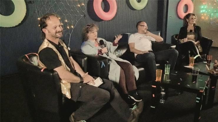 Erste Ausgabe der 80er-(Talk-)Show im Kino Palace mit von links Roli Streit, Brigitta Amato, Mike Brotschi, Luggi Arni.