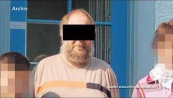 Über hundert teils behinderte Kinder hat der Heimbetreuer missbraucht. Das Berner Obergericht entscheidet heute, ob der pädophile Sozialarbeiter verwahrt wird.