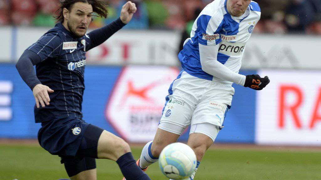 Alain Nef (links) zog mit dem FC Zürich auch im dritten Derby der Saison gegen Florian Kamberi (rechts) und die Grasshoppers den Kürzeren