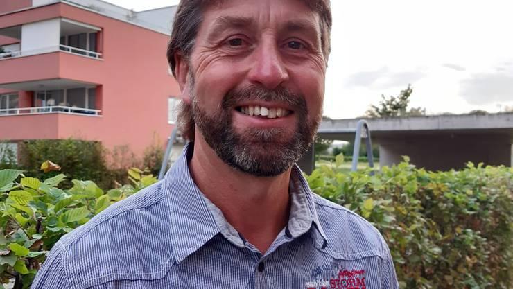 Die SVP Ortspartei, die Neue Mitte Riniken und weitere Wählerinnen und Wähler haben den 54-jährigen Ueli Siegrist (Bild) als Ersatz für den zurücktretenden Gemeinderat Hans-Lukas Niederer vorgeschlagen.