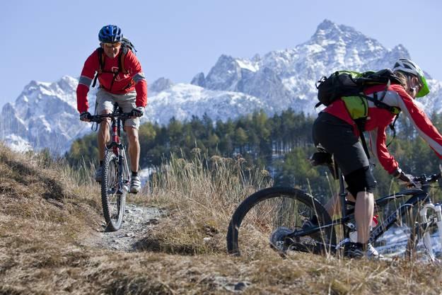 Bündner lieben es, in ihrer Freizeit in der Natur Sport zu treiben. Von Wandern über Mountainbike-Fahren bis hin zum Klettern ist alles möglich.