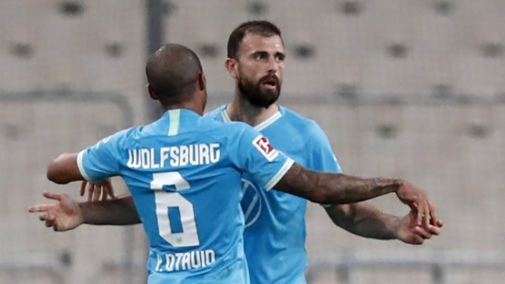 Schweizer überzeugen bei erstem Sieg von Wolfsburg